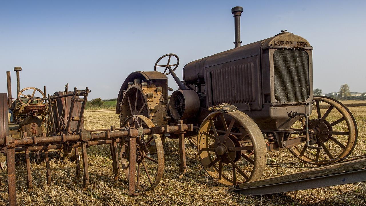 Brauchtum Traktor Lieg
