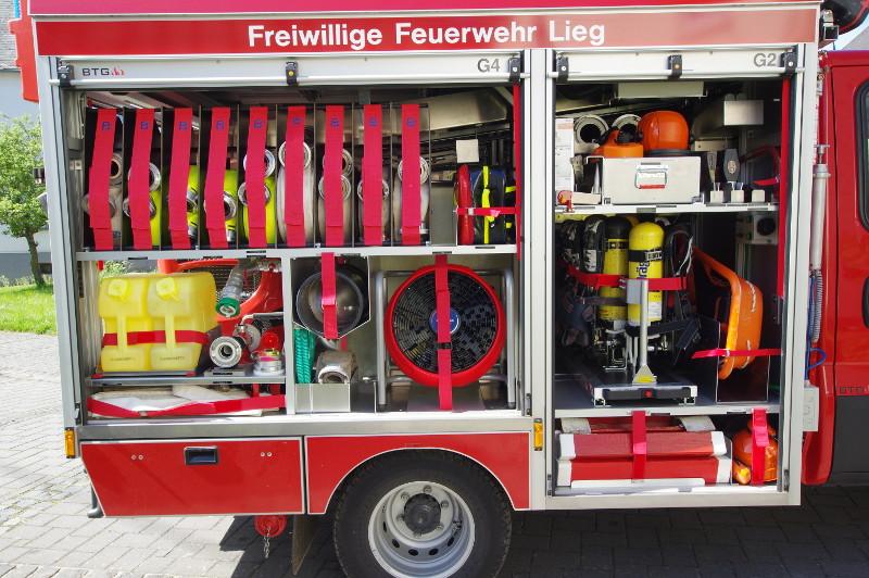 Freiwillige Feuerwehr Lieg Fahrzeug TSF-W Geräteraum 2 & 4
